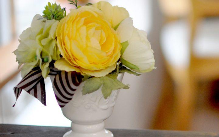 【高品質造花アレンジ】ラナンキュラス・イエロー系・やさしい心づかい