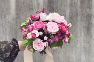 お好きなお花で彼とウェディングブーケ作り【レッスン・ワークショップ】